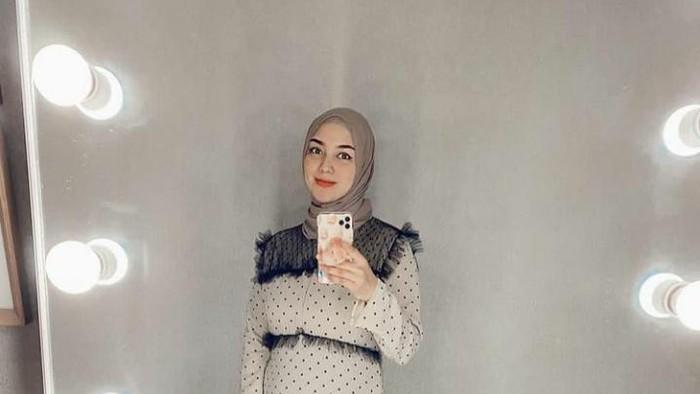 Terlihat Sederhana, Ternyata Harga Outfit Citra Kirana Mewah!