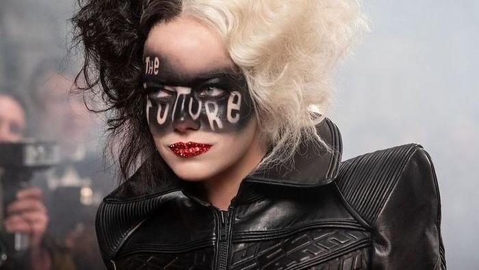 Deretan Kostum Keren Bergaya Punk Rock ala Cruella