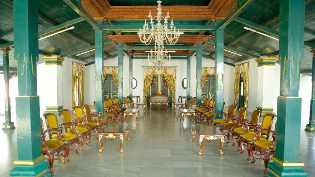 Kerajaan Cirebon adalah kerajaan Islam yang terletak di Jawa Barat. Sejarah berdirinya Kerajaan Cirebon berawal pada abad ke-14.