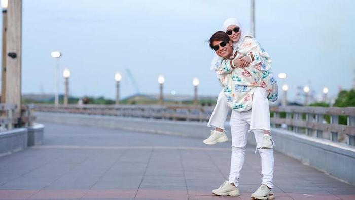 Akhirnya Bakal ke Pelaminan, Intip Perjalanan Cinta Lesti Kejora dan Rizky Billar