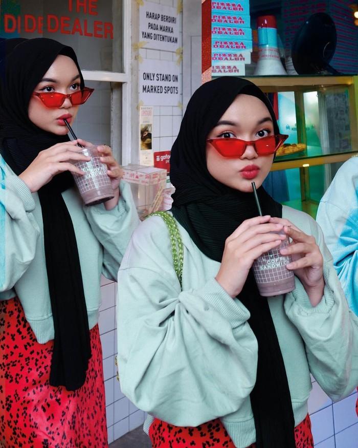 Puluhan potret Nadya Aisha yang dibagikannya di laman Instagram, membuat ia terlihat begitu cantik menawan. Ditambah dengan hasil editing foto menarik yang juga menjadi keahlian gadis cantik ini. (Instagram.com/nadyaaisha)