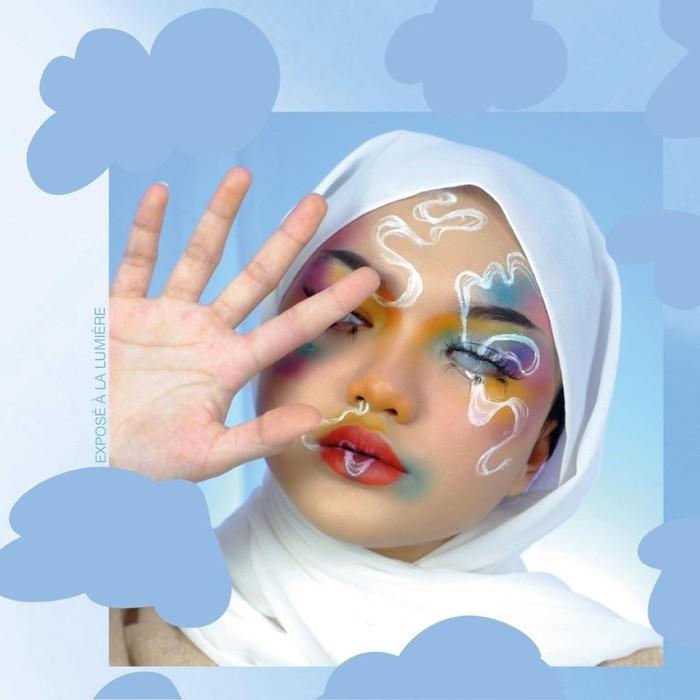 Sama halnya dengan Nanda Arsyita, ternyata wanita yang akrab disapa Nadya ini juga jago dalam hal makeup lho, Ladies! Di laman Instagramnya, ia sering kali membagikan potret dengan berbagai macam kreasi makeupnya. (Instagram.com/nadyaaisha)