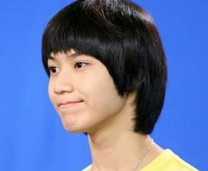 Tahun 2008, Taemin debut bersama SHINee di usia yang belum genap 15 tahun. Ia muncul dengan model rambut jamurnya yang ikonik. Penampilannya yang imut membuat Taemin mendapat banyak cinta sebagai idol pria termuda saat itu / foto: twitter.com/taemin_dyn