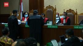 VIDEO: 13 Terdakwa Hadiri Sidang Perdana Korupsi Jiwasraya