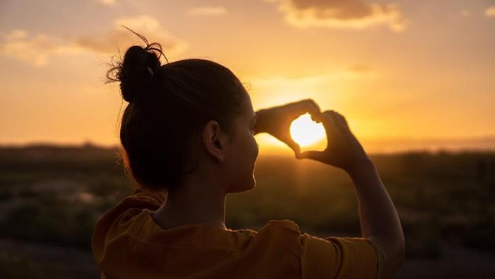 Supaya Hatimu Damai, Ini 4 Tips Mengatasi Trauma Cinta Masa Lalu