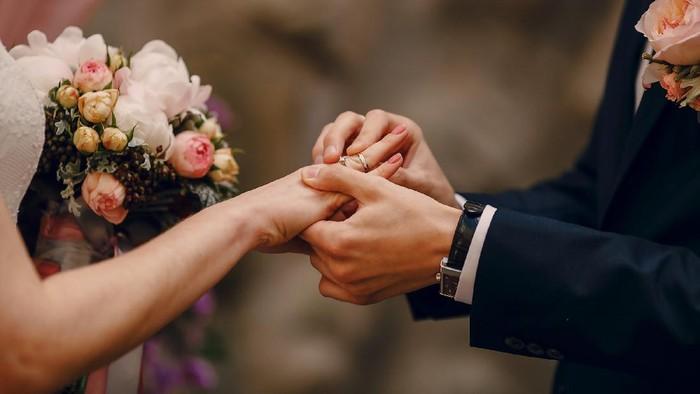 Bikin Meleleh, Rekomendasi 5 Lagu Romantis untuk Pernikahanmu