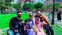 <p>Setelah berkunjung ke Dubai, Ashanty, Anang, dan keluarga pergi ke Istanbul, Turki. (Foto: Instagram @ashanty_ash)</p>