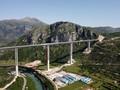 FOTO: Jeratan Utang China di Proyek Mahal Jalan Montenegro
