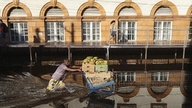 FOTO: Brasil Terendam Banjir Luapan Sungai Amazon
