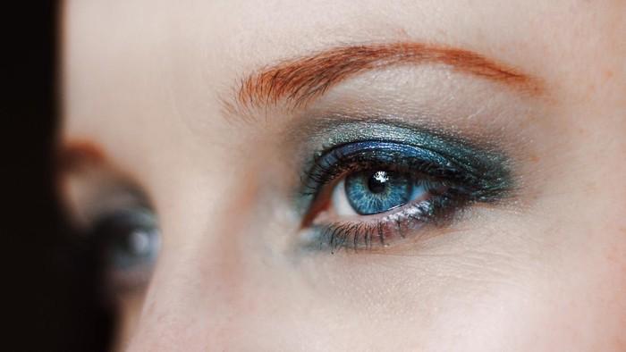 Bikin Mata Terlihat Lebih Cerah, Coba 7 Rekomendasi Eyeliner Warna-warni dari Brand Lokal