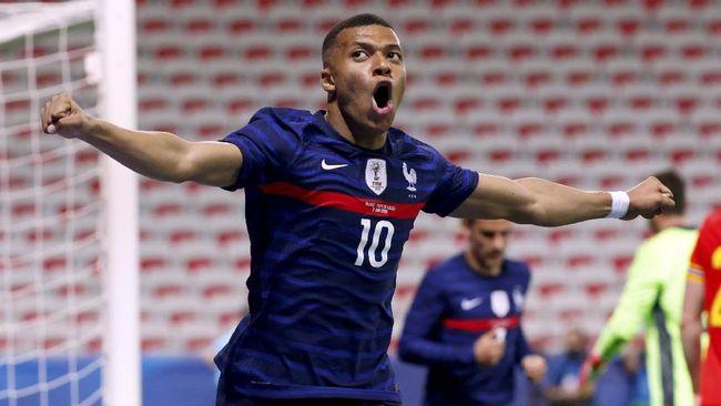 Jelang pertandingan pertama Prancis di Euro 2020 (Euro 2021) menghadapi Jerman, Rabu (16/6), pertikaian Olivier Giroud dan Kylian Mbappe memanas.