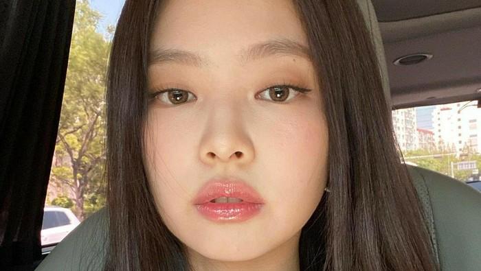 Alis Natural ala Idol K-Pop dengan 4 Eyebrow Kit Korea Ini