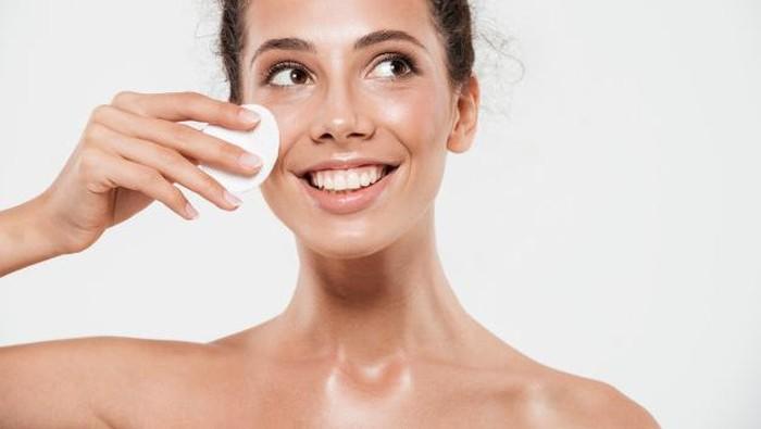 Rekomendasi Cleansing Oil untuk Membersihkan Face Painting