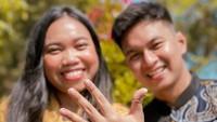 <p>Belum lama ini presenter sekaligus komedian Mumuk Gomez membagikan foto preweddingnya bersama calon suami, Eno Retra. (Foto: Instagram @mumukgomez)</p>