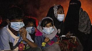 FOTO: Puluhan Pengungsi Rohingya Terdampar di Aceh