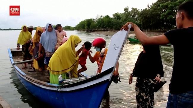 VIDEO: 81 Pengungsi Rohingya Terdampar di Aceh