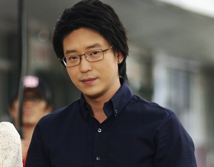 Uhm Ki Joon memulai debutnya sebagai seorang aktor musikal sejak tahun 1995. Namanya mungkin masih terdengar asing bagi sebagian penikmat drama Korea di Indonesia / foto: Sidus HQ