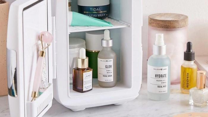 Lebih Segar dan Awet, Simpanlah 5 Produk Skincare Ini di Dalam Kulkas