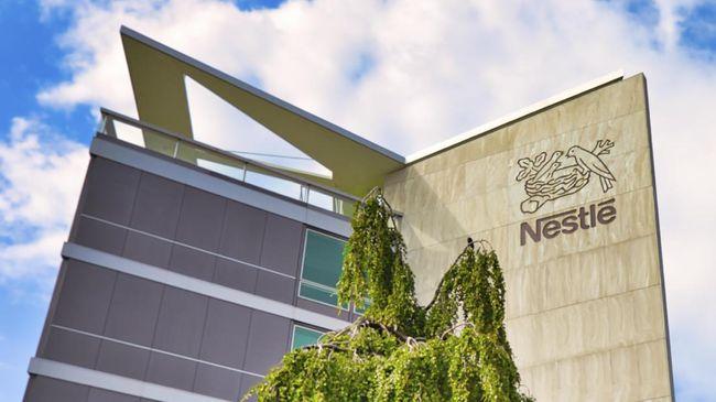 PT Nestle Indonesia menyatakan kurang dari 30 persen produknya tak memenuhi standar kesehatan eksternal yang ketat. Misalnya, cokelat dan es krim.