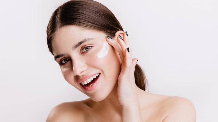 Wajah Sehat dan Awet Muda dengan Skincare Kandungan Peptide