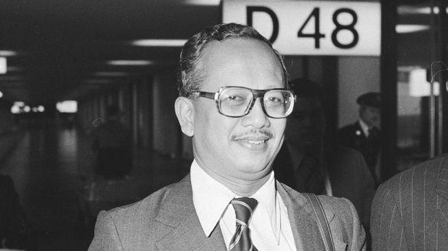Mochtar Kusumaatmadja wafat pada usia 92 tahun. Dia tokoh yang berjasa memperjuangkan konsep Negara Kepulauan diterima oleh negara-negara di dunia.