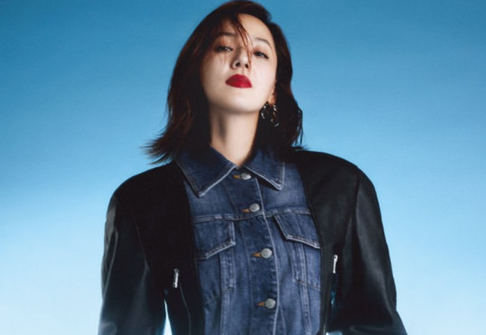 Eugene, namanya naik daun di Indonesia berkat perannya sebagai Oh Yoon Hee dalam drama The Penthouse. Banyak netizen Indonesia kaget, ketika tahu Eugene dulunya anggota S.E.S, girl group K-Pop pertama pada era 90-an / foto: wkorea.com