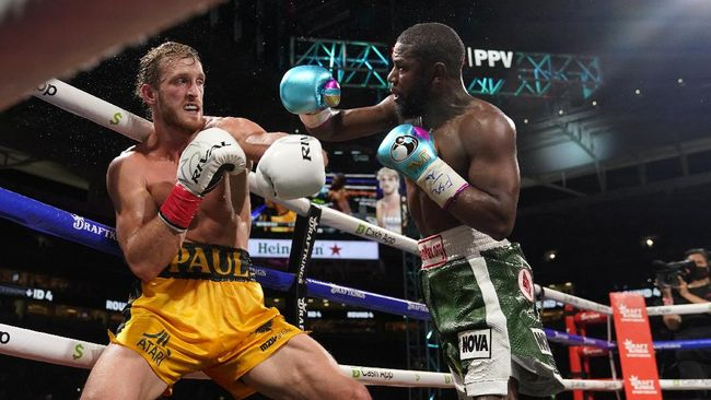 Berikut berita pilihan dunia olahraga mulai dari Floyd Mayweather gagal memukul KO Logan Paul hingga Timnas Indonesia kalah telak.