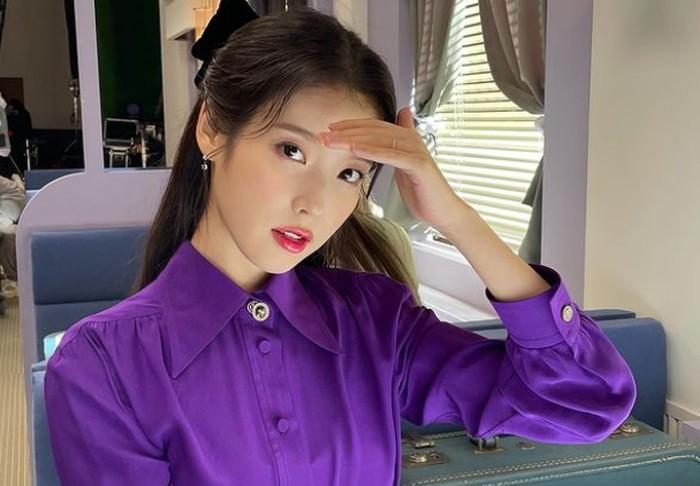 Membintangi sejumlah judul drama populer, akting IU kadang sampai membuat penonton lupa kalau dirinya merupakan seorang penyanyi. Bahkan sampai sekarang, IU masih aktif berkarier di kedua bidang tersebut / foto: instagram.com/dlwlrma