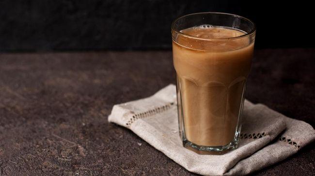 Pada dasarnya, proffee hanya mencampurkan kopi hitam dengan bubuk protein.