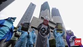 FOTO: Aksi Tolak Limbah Nuklir Fukushima di Jakarta