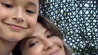 <p>Dari pernikahannya dengan aktor Mike Lewis, Tamara Blesynski dikaruniai putra tampan bernama Kenzou Lion Bleszynski Lewis. Ia mewarisi ketampanan dari sang ayah yang berdarah Kanada. (Foto: Instagram: @tamarableszynskiofficial)</p>