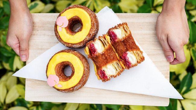 Setelah delapan tahun lalu, koki pastry Prancis Dominique Ansel menciptakan cronut yang fenomenal, kini dia menghadirkan kreasi lainnya, croissant toast.
