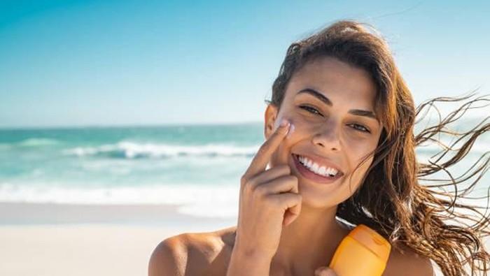 Kesalahan Pakai Sunscreen yang Bisa Bikin Wajah Jadi Kusam