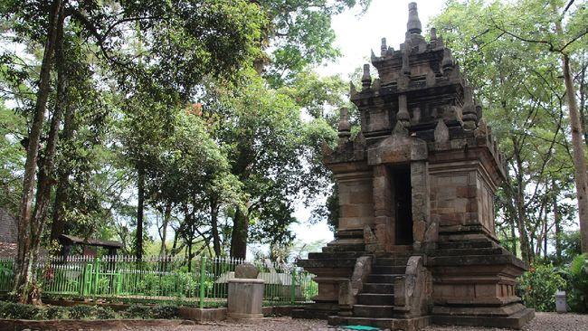Kerajaan Pajajaran adalah kerajaan Hindu di Jawa Barat. Berikut sejarah Kerajaan Pajajaran dari masa kejayaan hingga jejak peninggalan.