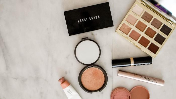 Daftar Makeup Murah di Bawah 50 Ribu yang Aman dan Terdaftar di BPOM