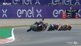 VIDEO: Pembalap Moto3 Hampir Terlindas di GP Catalunya