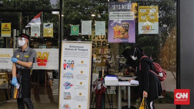 Menu kolaborasi McDonald's dan boyband BTS, BTS Meal resmi dirilis di Indonesia pada Rabu (9/6) pukul 11.00. Menu tersebut menjadi buruan para fan BTS, ARMY.