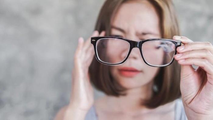 5 Kebiasaan Sepele yang Membuat Mata Minus