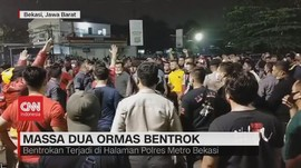 VIDEO: Massa Dua Ormas Bentrok