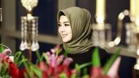 <p>Syahrini juga memakai hijab sebagai bentuk rasa syukur atas segala nikmat yang diperolehnya saat ini. (Foto: Instagram: @princessyahrini)</p>