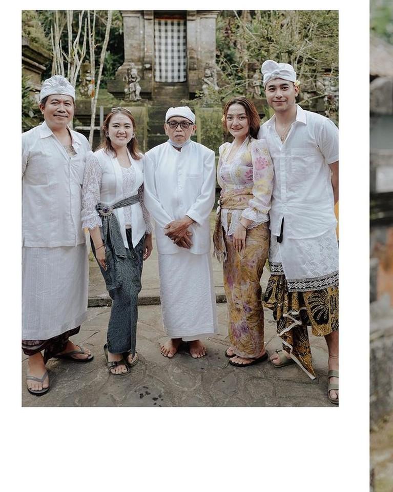 Deretan Foto Liburan Siti Badriah, Pamer Punggung Mulus