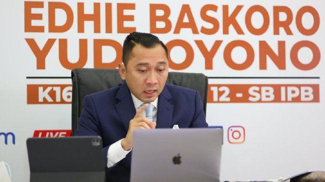 Edhie Baskoro Yudhoyono alias Ibas tak kuasa menahan isak saat memberikan sambutan usai menjalani sidang promosi doktoralnya.