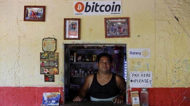 IMF akan mengikuti perkembangan penggunaan uang kripto di El Salvador karena potensi masalah yang bisa ditimbulkan.