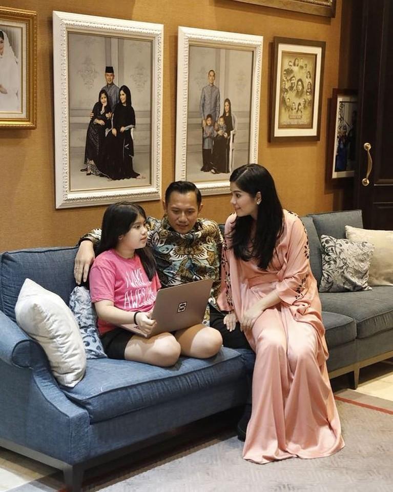 Siapa yang penasaran dengan penampakan rumah anak presiden? Yuk kita intip, ada yang seharga Rp 16 Miliar!