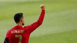 Pesan Menyentuh Ronaldo untuk Eriksen di Euro 2020