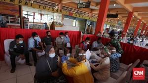 FOTO: Vaksinasi di Terminal Kampung Rambutan
