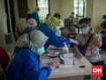 FOTO: Vaksinasi Covid-19 Untuk 18 Tahun ke Atas di DKI
