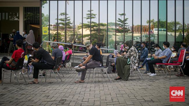 Data Satgas Covid mencatat penambahan di DKI Jakarta sebanyak 5.582 kasus baru. Angka penambahan ini membuat DKI Jakarta mencatatkan rekor empat hari beruntun