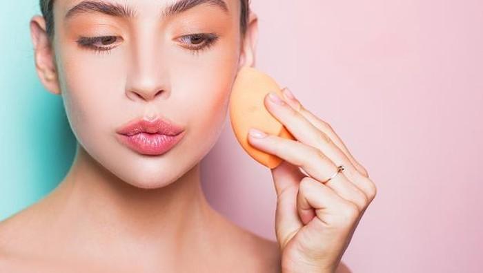 3 Cara Menggunakan BB Cream untuk Makeup Natural ala Wanita Korea