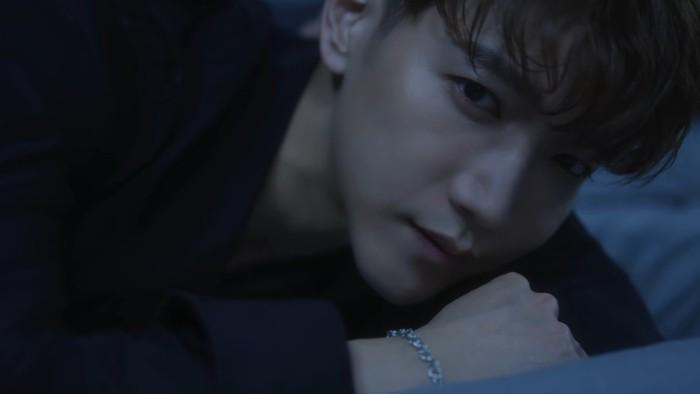 Ini merupakan comeback 2PM pertama kalinya sejak album terakhir 'Gentlemen's Game' pada tahun 2016. Member ketiga dalam trailer, Jun. K memakai setelan berwarna hitam yang semakin membuatnya terlihat dewasa. (Foto: youtube.com/jypentertainment)
